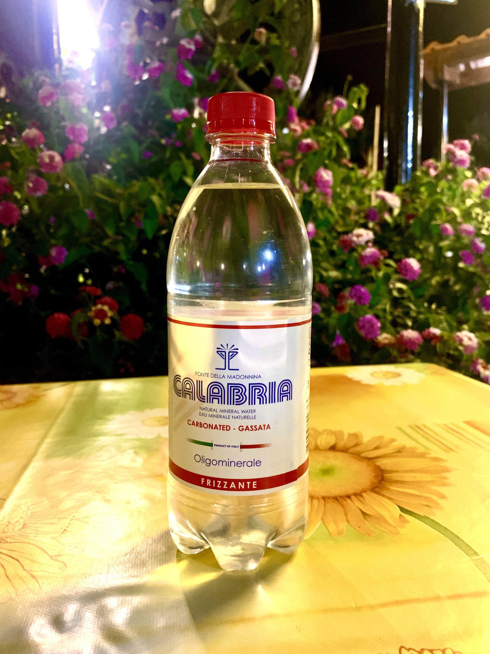 Acqua frizzante da ½ litro